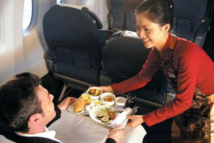 Photo of 4 hàng không nội địa phục vụ ăn uống trên máy bay như thế nào?