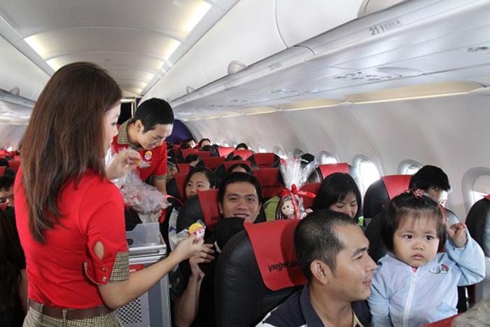 """Photo of Quy định vận chuyển """"hành khách nhí"""" của VietJet Air"""