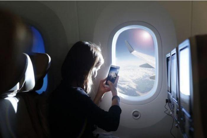 Photo of Quy định về sử dụng thiết bị điện tử trên chuyến bay China Airlines
