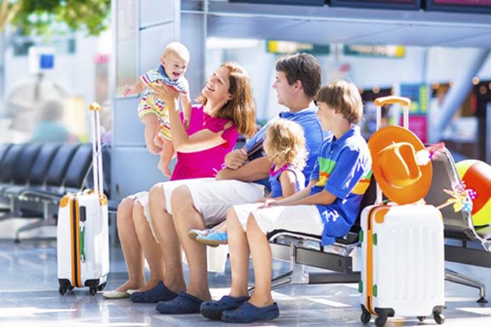 Photo of Bí quyết đi máy bay đường dài cùng con nhỏ